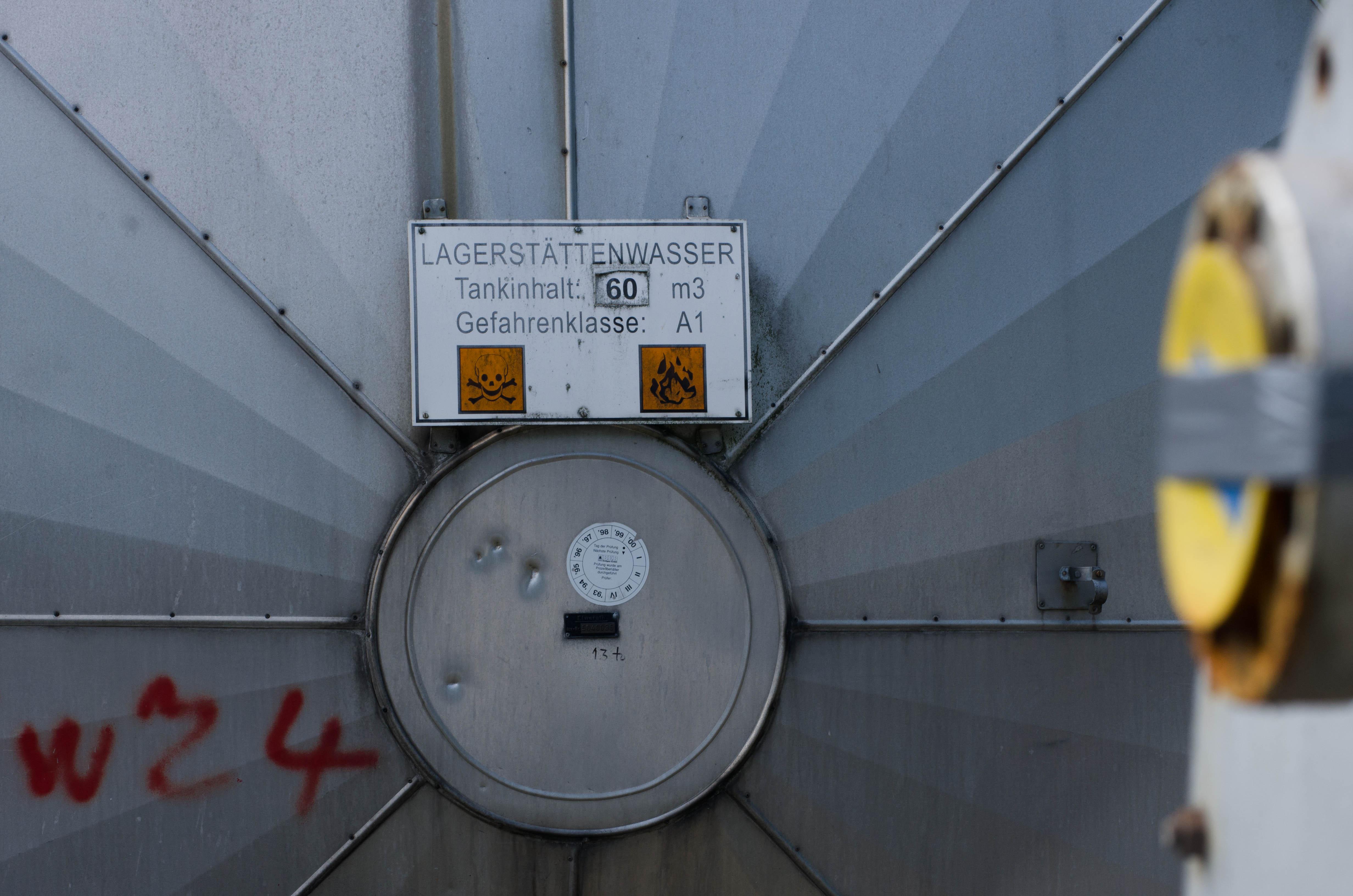 Lagerstättenwasser (Z4) - 1982 bis in 5500 m Tiefe gebohrt, aber jetzt stillgelegt